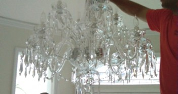 How to clean light fixtures and chandeliers